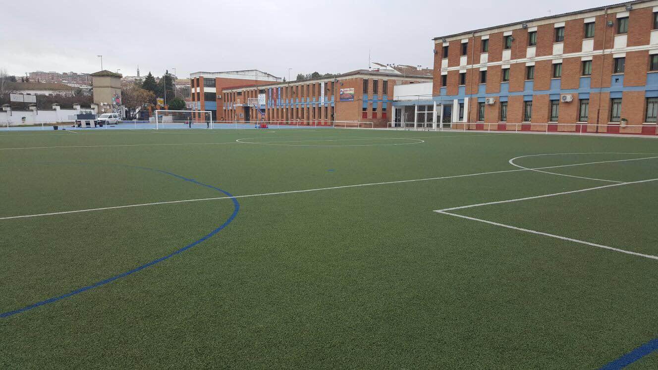 Campo de fútbol del césped artificial del Colegio Diocesano