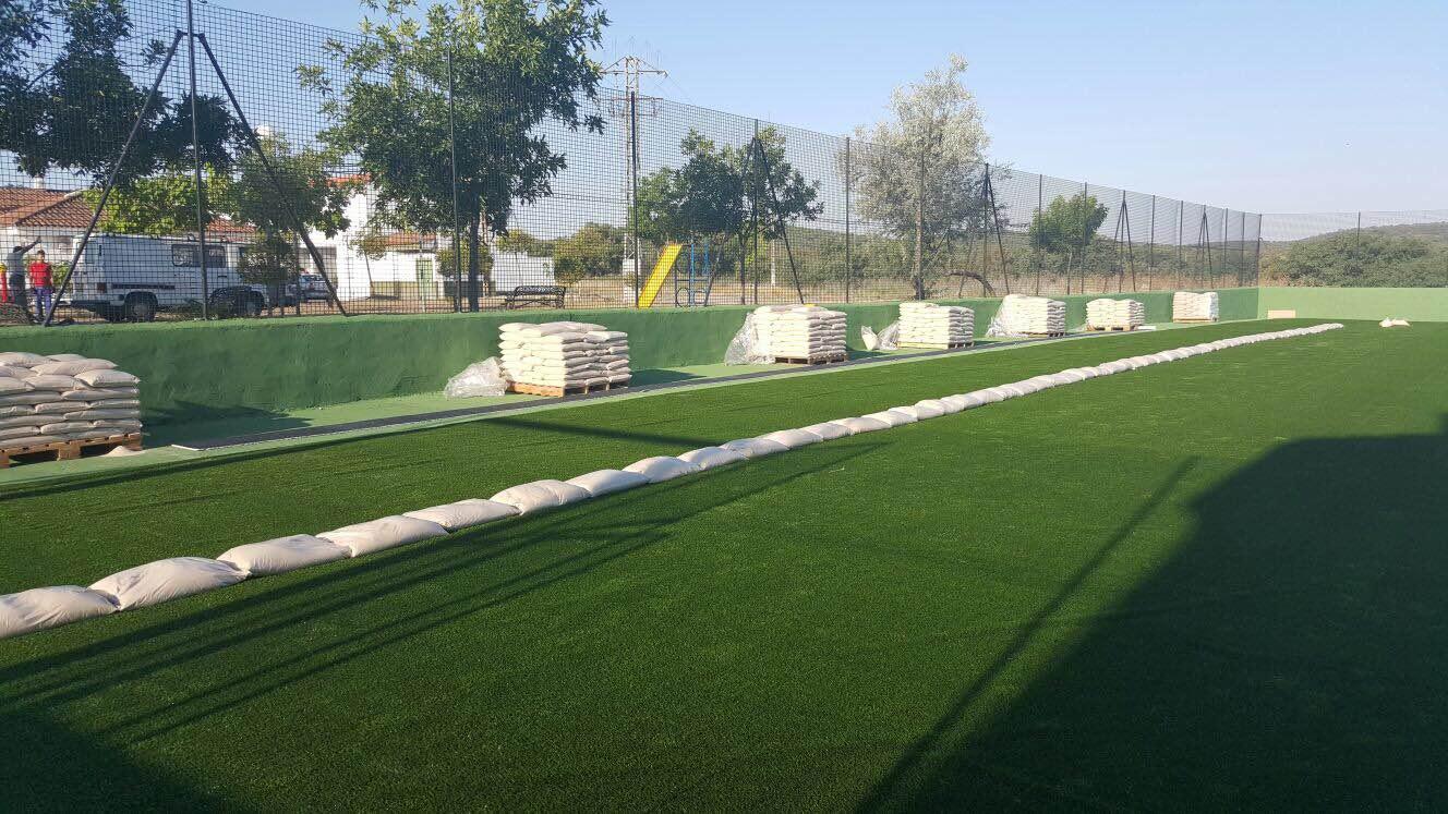 Presupuesto de construcción e Instalación de campos de fútbol para colegio