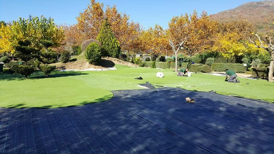 instalación de campo de mini golf de césped artificial