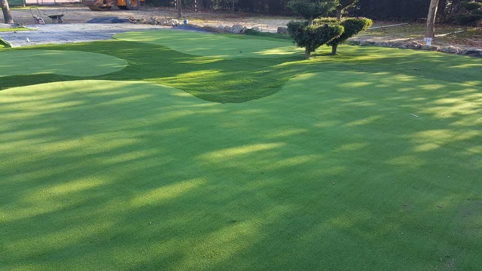 Campo de mini golft en Cáceres