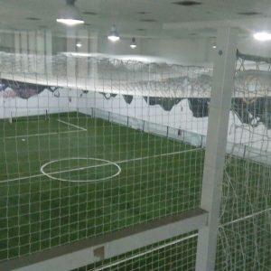 Campo de fútbol indoor de césped artificial