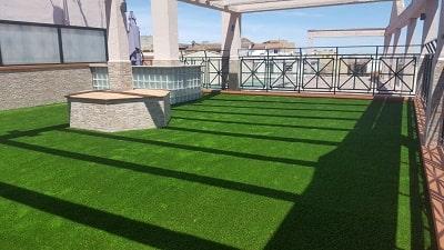 Césped artificial para terrazas, césped sintético áticos