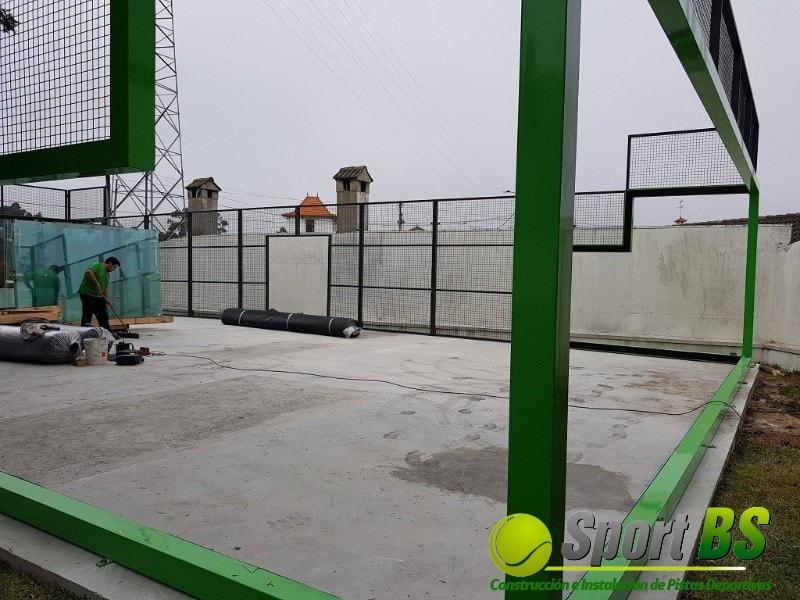 instalación de pista de pádel de césped artificial, instaladores de pistas de pádel